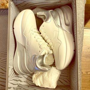 Alexander McQueen high top sneakers - 36
